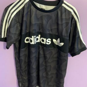 Adidas trefoil logo tee